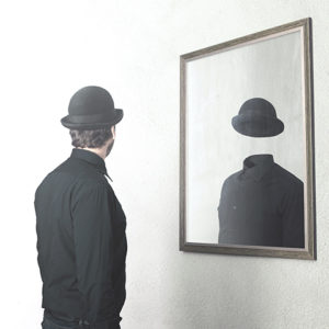 自己愛性パーソナリティ障害は鏡を見るのが嫌い