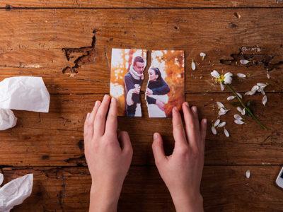 離婚した後、元配偶者の写真は捨てる?取っておく?