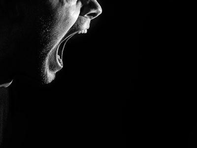 モラハラ夫がひどい言葉を吐いてきたときの対処法