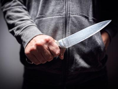 【離婚調停】家庭裁判所で妻が夫に刺される事件が発生