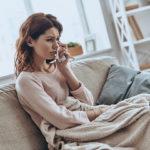 辛い結婚生活なのに幸せだと思い込む妻…問題を見ないフリする心理メカニズム